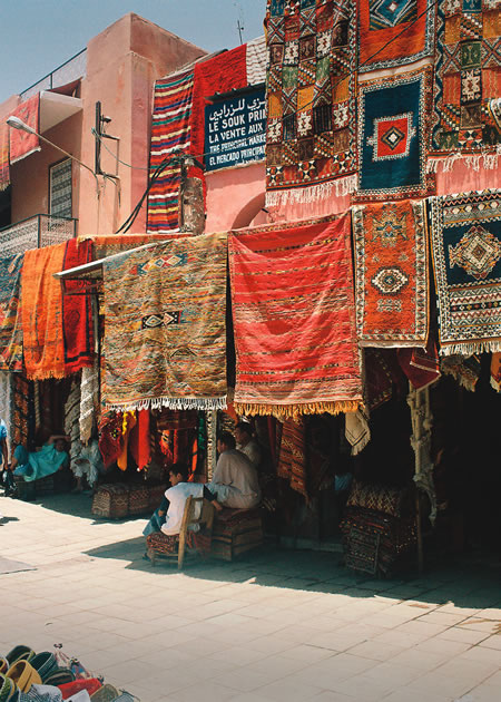 leo_morocco_carpet_sellers.jpg